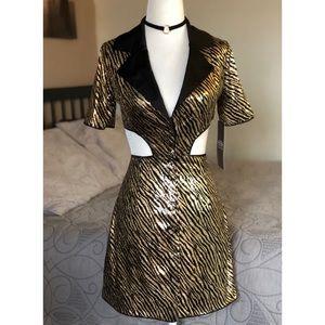Button Down Cut Out dress 🌿🐅🌿